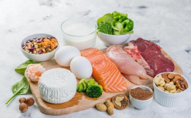 尿酸高吃什么能降?控制尿酸防止痛风的方法详解