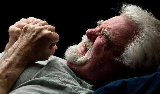 急性痛风发作怎么办?这些知识你要懂